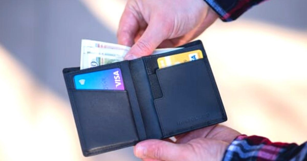 How do credit cards payments work